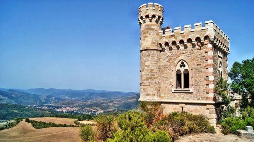 rennes-le-chateau,kraštovaizdis,laukas,kalvos
