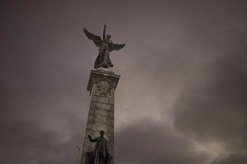 renommee monument sir george-etienne cartier