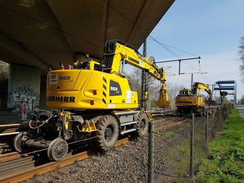track construction machine train machine