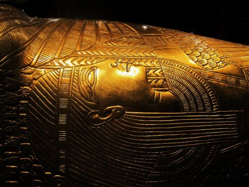 replica of tutankhamun's treasure display riches