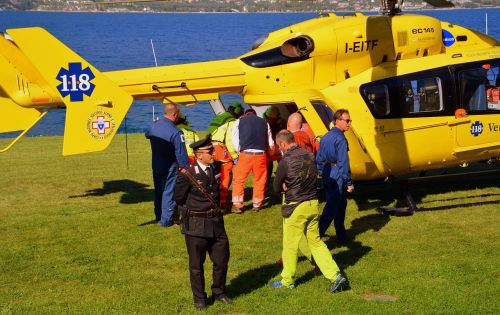 rescue helicopter lake