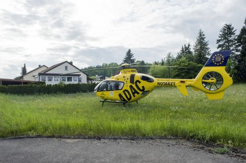 rescue helicopter doctor on call adac