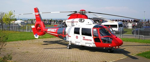 rescue helicopter  medic  doctor on call