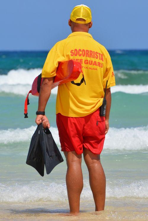 rescuer sea people