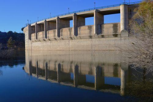 reservoir engineering construction