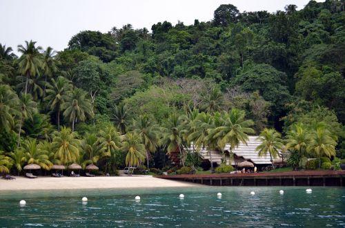 resort sea-bathing recreation area