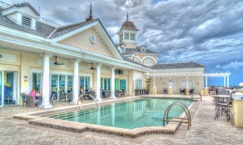 resort  pool  sky