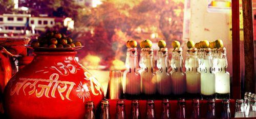 restaurant bar bottles
