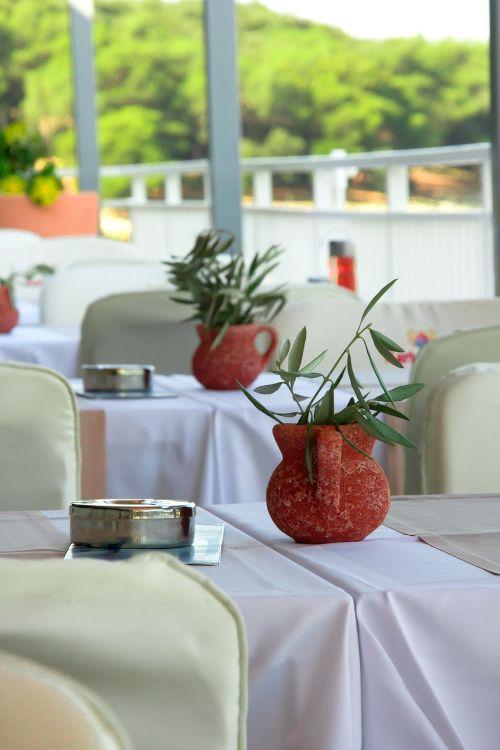 restaurant decoration dining tables