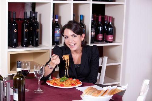 restaurant pasta eat