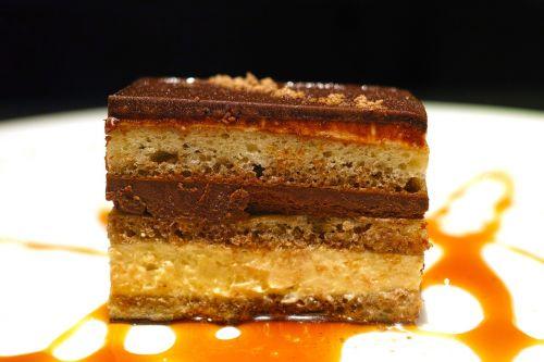 restaurant dessert cake