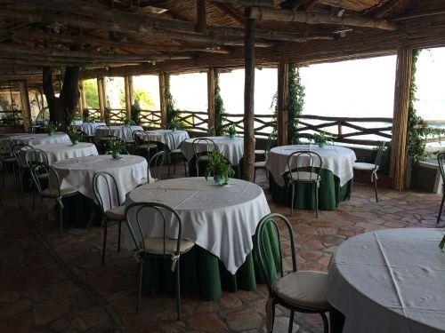 restaurant summer tables