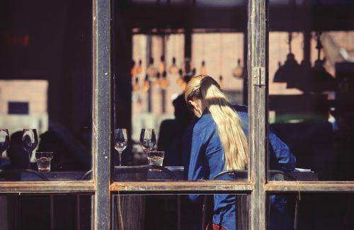 restaurant waitress waiter