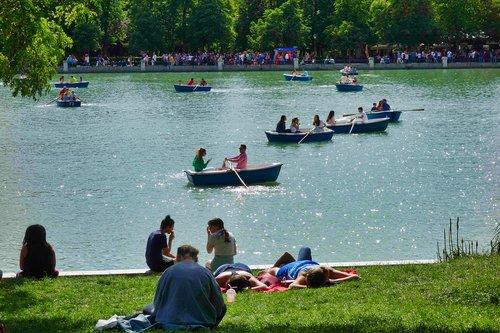 retirement  retiro pond  boats
