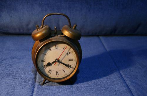 retro clock past