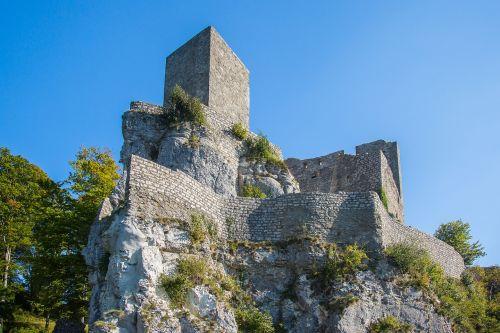 reußenstein castle russias stone ruin