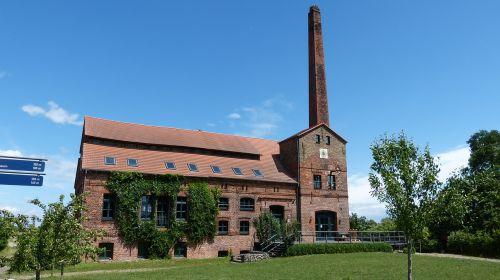 ribbeck distillery building