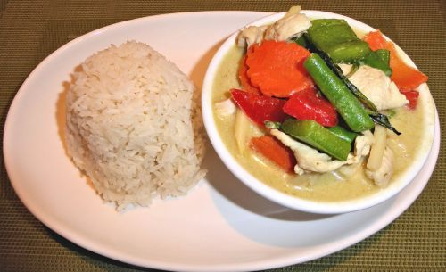 rice green curry chicken vegetables