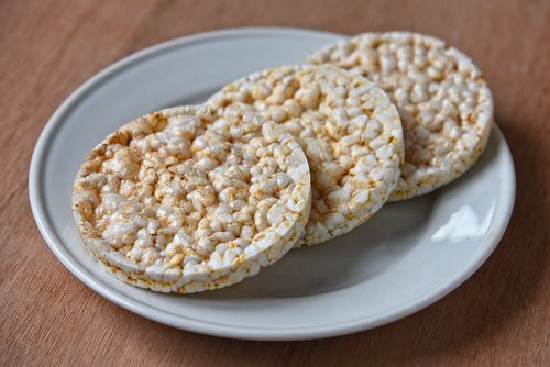 rice cracker  food  nutrition