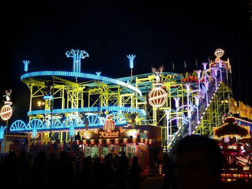 ride roller coaster folk festival