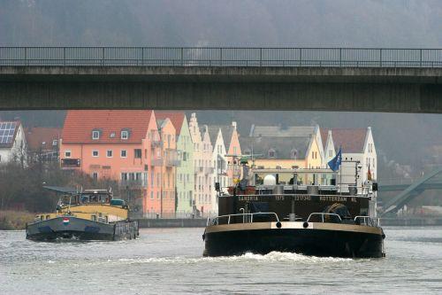 riedenburg against traffic main danube canal