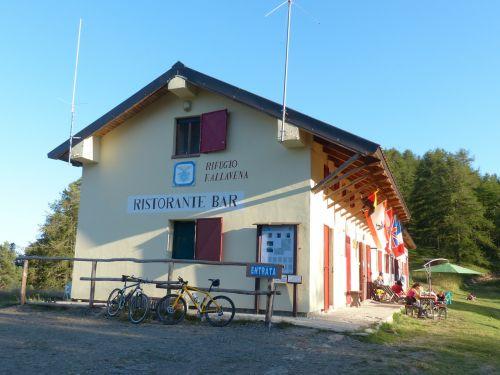 rifugio fallavena hut
