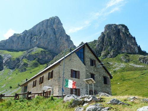 rifugio mondovì alpine hut mountain hut