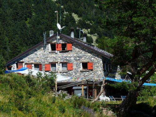 rifugio mongioie mountain hut cai
