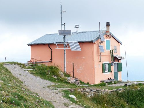 rifugio sanremo cima della valletta mountain hut
