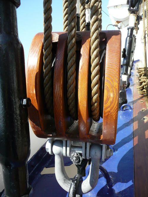 rigging block and tackle sail