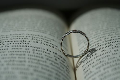 ring book written