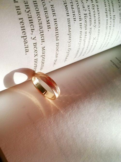 ring engagement golden