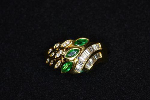 ring emerald diamonds