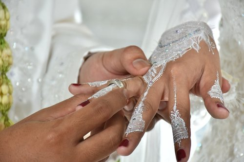 ring  wedding  hand