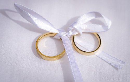 rings  wedding rings  golden rings