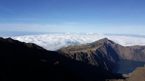 rinjani volcano  tracking  lombok