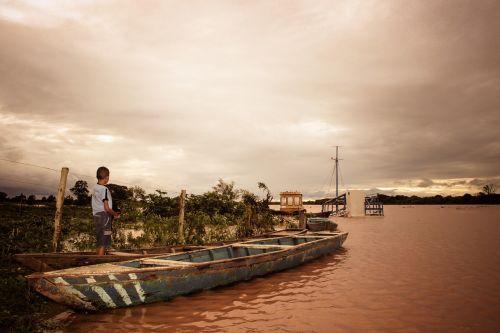 rio flood boy