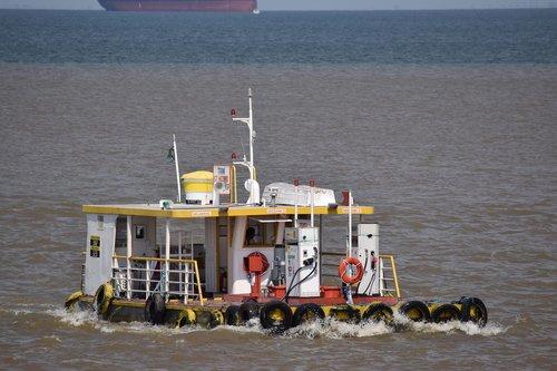 rio  amazon  boat
