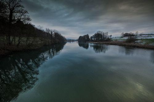 river reuss water running