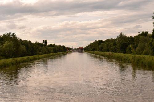 river mirroring sunrise