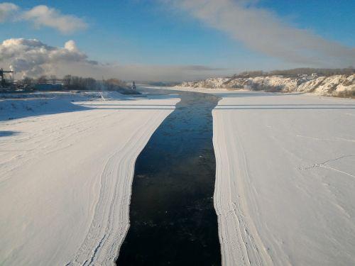 river winter tom
