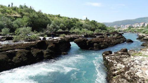 river rocks neretva