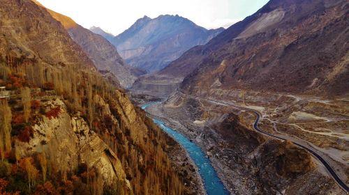 river mountain pakistan
