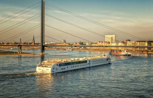 river rhine düsseldorf