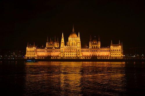 river  travel  architecture