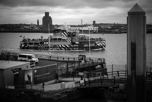 river  river mersey  liverpool