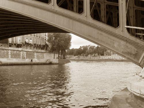 river la seine bridge