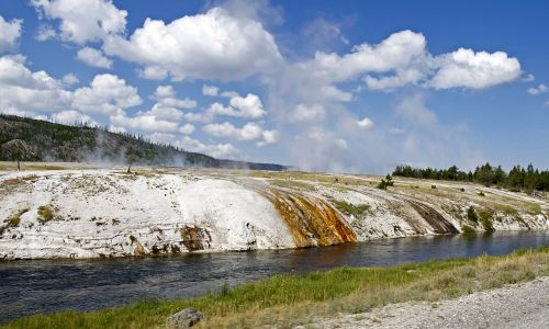 river water yellowstone national park