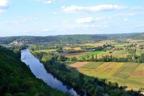 river dordogne the valley of the dordogne