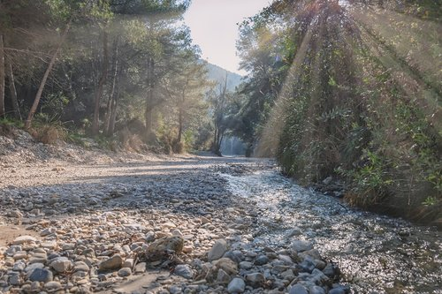 river bed  sun rays  spain